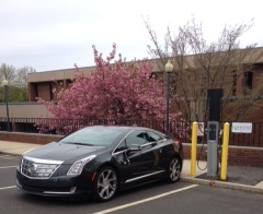 Picture of electronic vehicle charging station at Meriden Public Library
